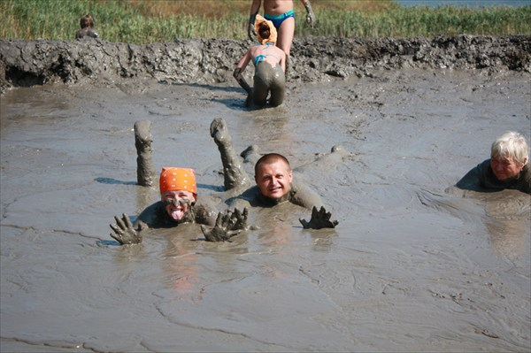 на фото: грязи