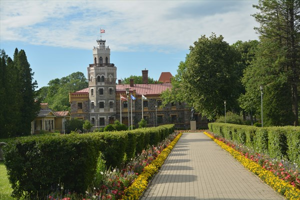 Новый Сигулдский дворец