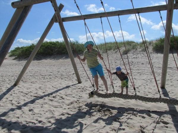 Развлечения на пляже Вентспилса