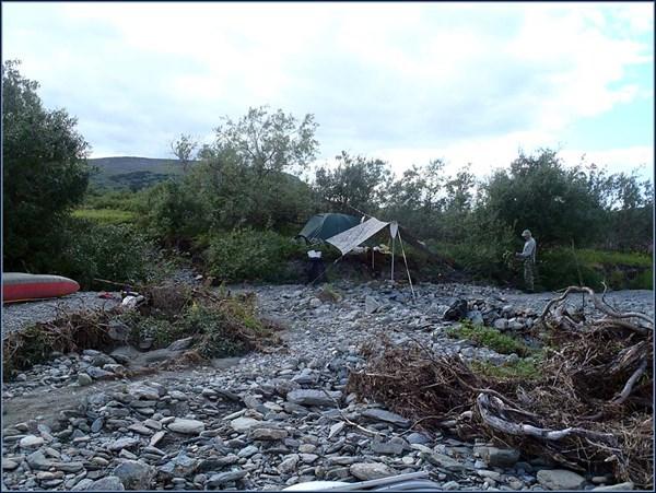 Базовый лагерь на сухом ручье
