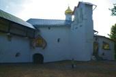 Никольская церковь со звонницей ХVI в. Начало `кровавого пути`.