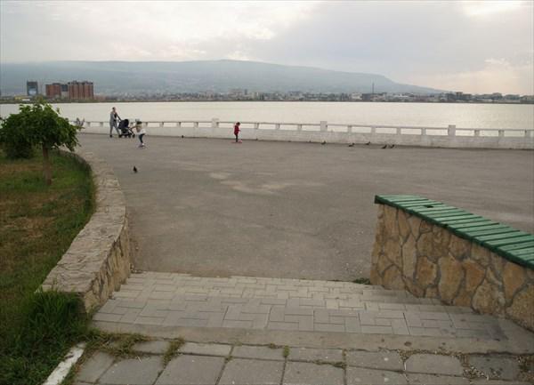 Набережная озера Ак-Гёль - 1