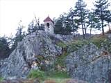 Башня-табля над монастырем.