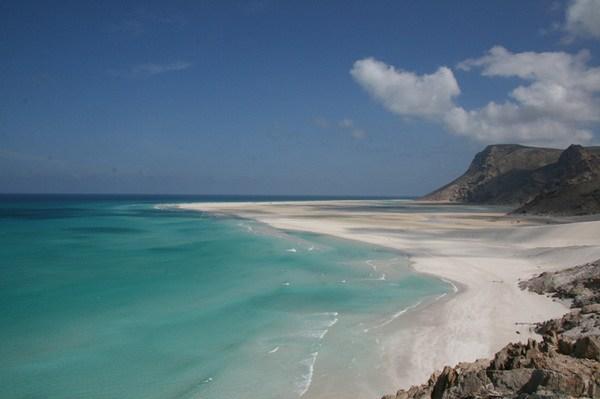 на фото: пляж Калансии