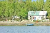 Дом в г.Попова, сушится морская капуста.