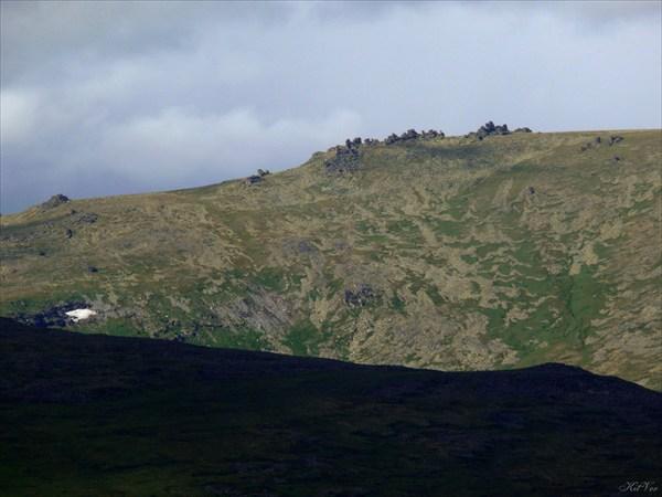 Останцы на вершине Отыртена