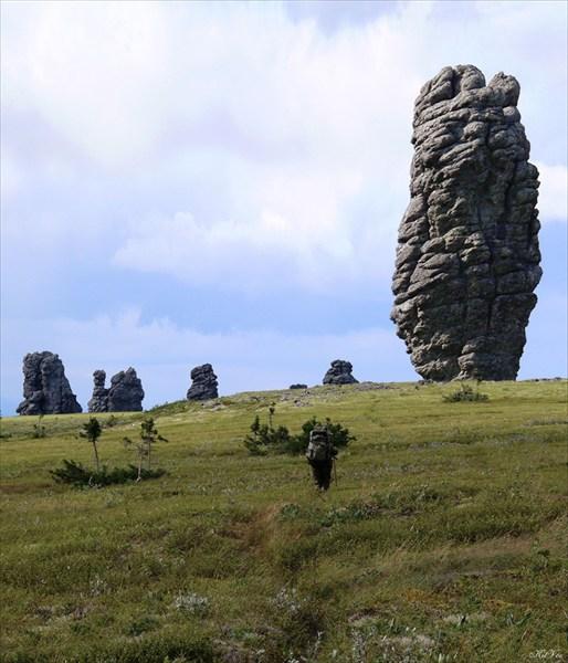 Подходим к знаменитым каменным останцам