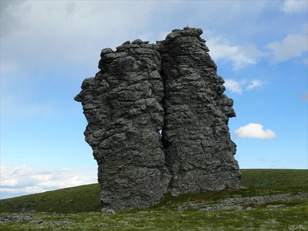 Этот камень некоторые называют Шаманиха.