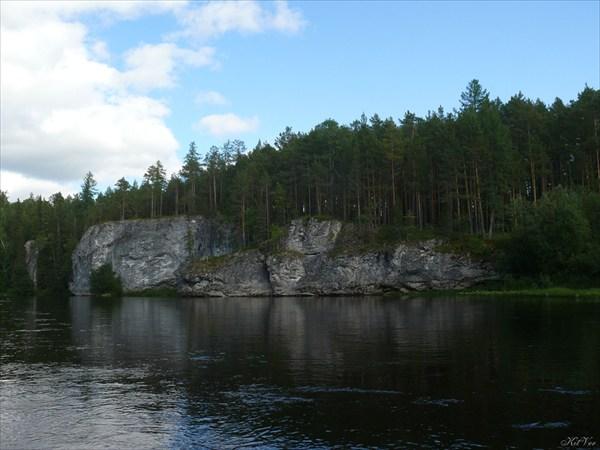 Скалы на Лозьве перед пос. Ушма