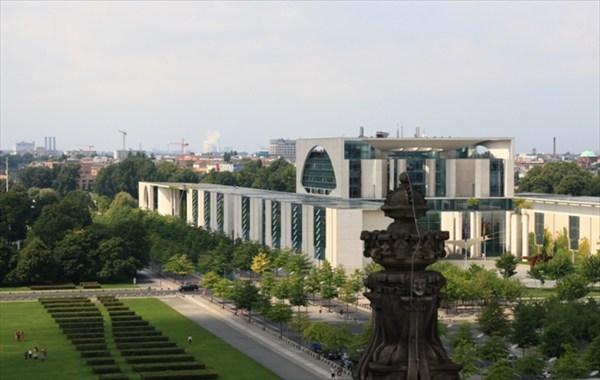 Вид со здания Бундестага (Рейхстага)