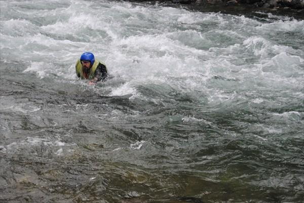 Уроки самосплава на реке Жомолок