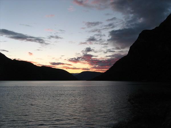 Закат над Aurlandsfjord