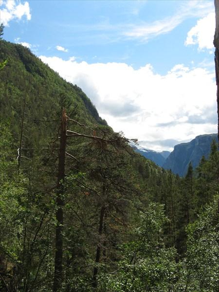 Вид на горы с отметки 600 метров