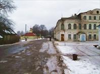 Дом купца Михаила Кузьмича Гаврилова (справа)