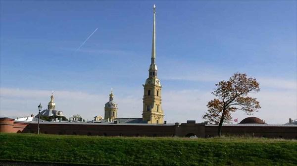 Вид на Петропавловскую крепость с Кронверкского пролива