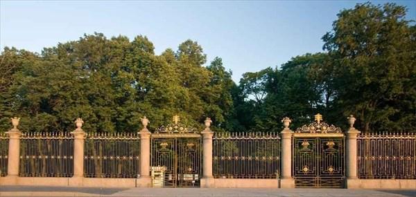 Центральный вход в Летний Сад