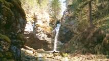 Сказочное место, водопад Сага.