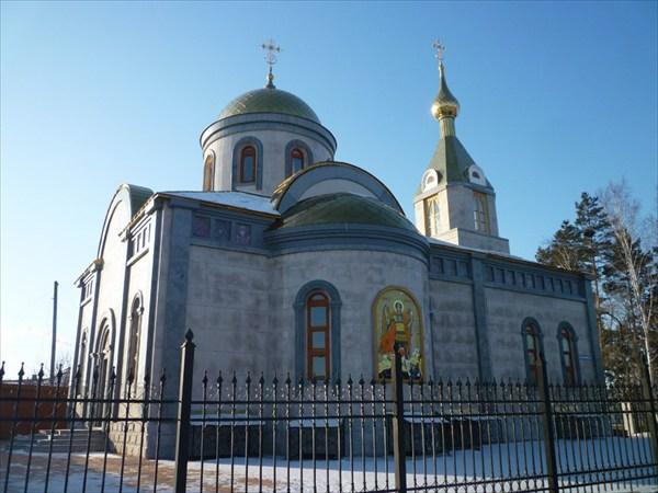 на фото: Церквушка