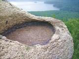 Нерукотворная каменная чаша