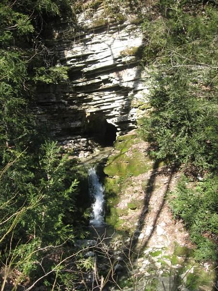 Вход в пещеру Тигровая