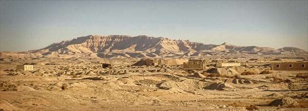 В горах Аравийской пустыни