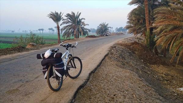 По пути к озеру Карун