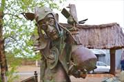 Вот такие скульптуры на улицах Ярового