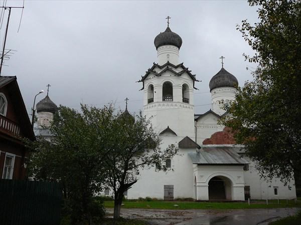 Бывший старорусский преображенский монастырь