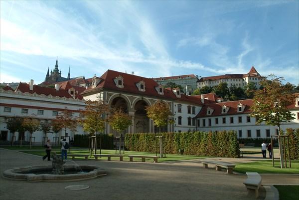 Валленштейнский дворец