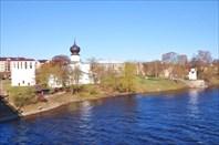 Псков - вид с Ольгинского моста на гостиницу Ольгинская