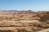 В этих горах проходит Цветной каньон
