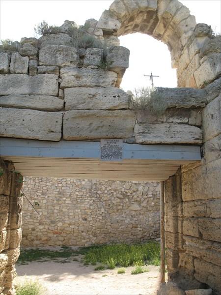Главные ворота Херсонеса