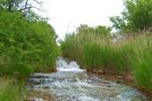 У Примыканского водопада.