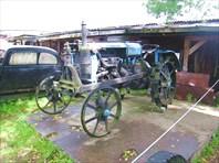 Один из первых тракторов