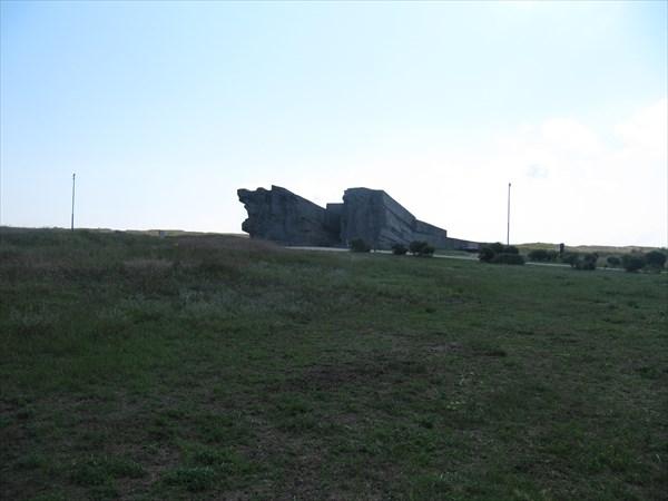 Вход в Аджимушкайские каменоломни