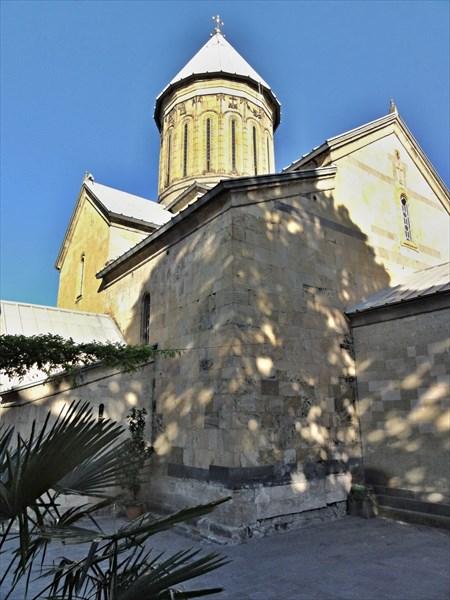 Сионский кафедральный собор, Сиони