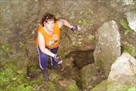 Я у пещеры Придорожной