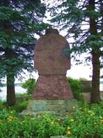 71 памятник революционерам