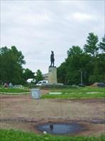 75 памятник Петру
