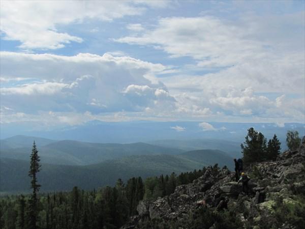 Вид с восточного склона г.Алат