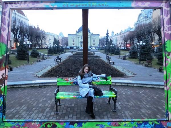 Театральная площадь (Черновцы)