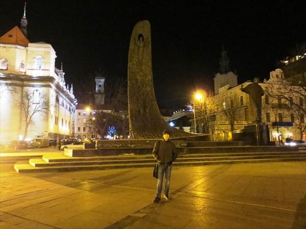 Памятник Т. Г. Шевченко (Львов)