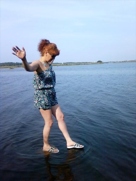 На урале живут настолько суровые люди, что ходят даже по воде