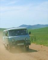 Уазик - единственный вид автотранспорта на Ольхоне