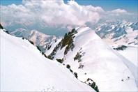 седло, вид с предвершинного плато