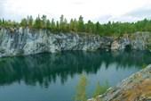 Озеро в каньоне