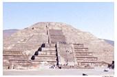 Теотиуакан. Пирамида Луны
