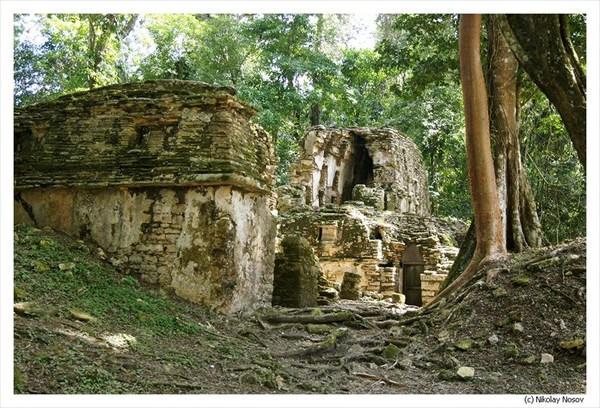 на фото: Древний город Яшчилан