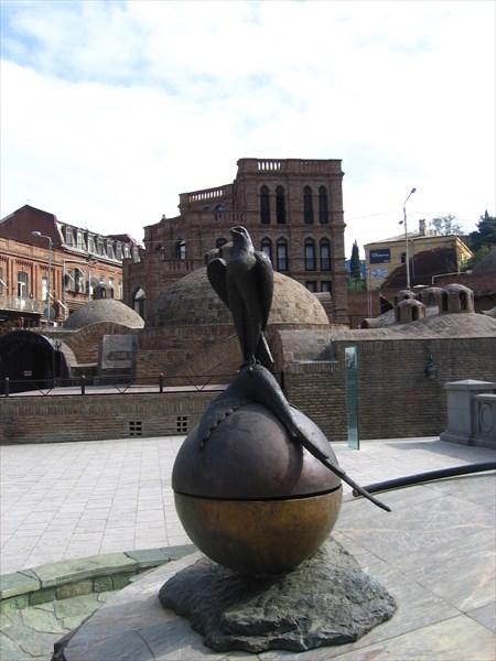 Символический памятник ,на месте где упал фазан.
