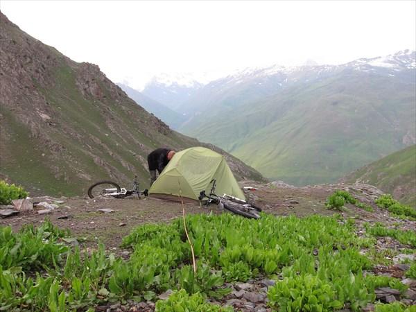 Места макисмум на две палатки